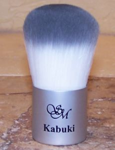 Kabuki brush to apply mineral cosmetics in Saratov or Engels